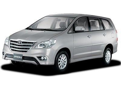 Rental Mobil di Lombok dengan Supir Toyota Innova